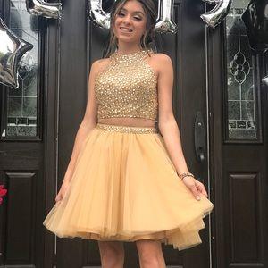 Dresses & Skirts - Sheri hill dress size 00